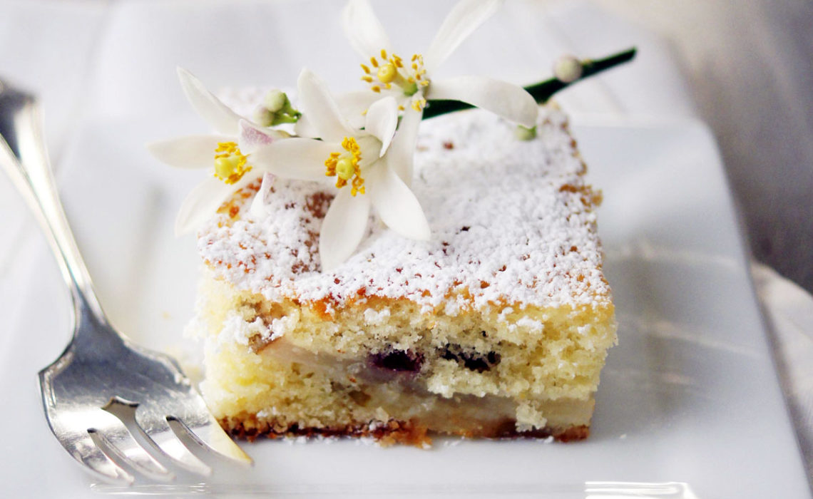 Treat of the Week:  Dutch PearBerry Cake