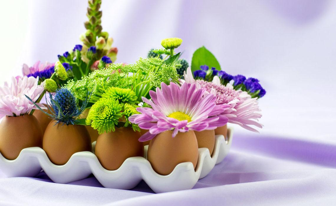 Natural Vase: Eggshell Spring Floral