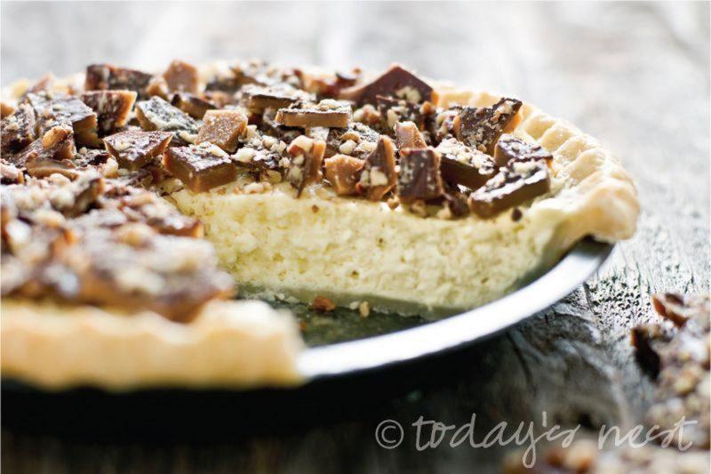 pecan-toffee-cheesecake-pie-lead
