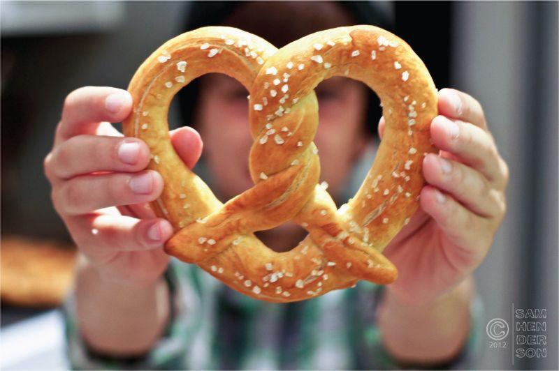 soft pretzels lead