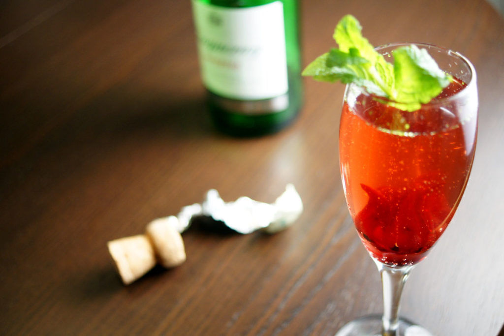 gin-gle fizz cocktail recipe