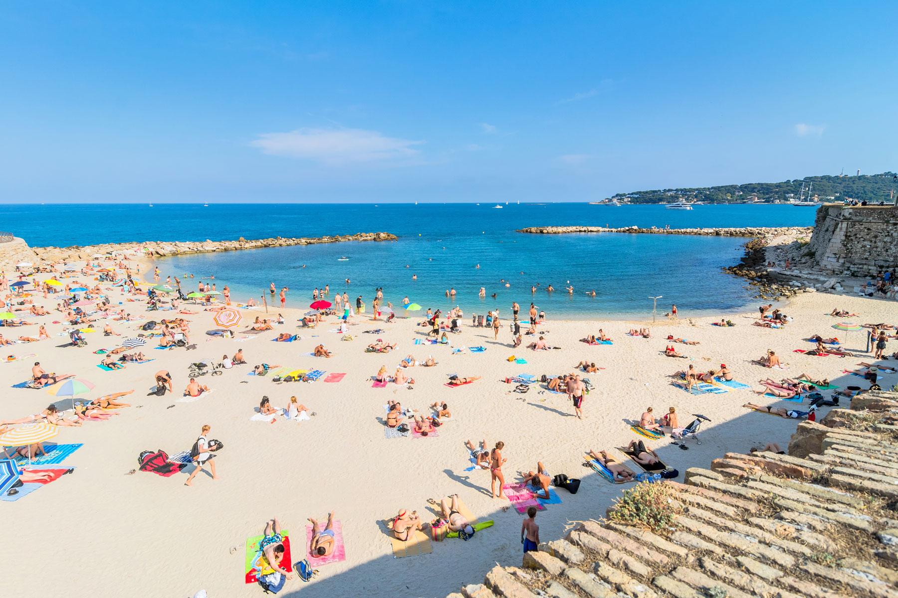 plage - antibes france