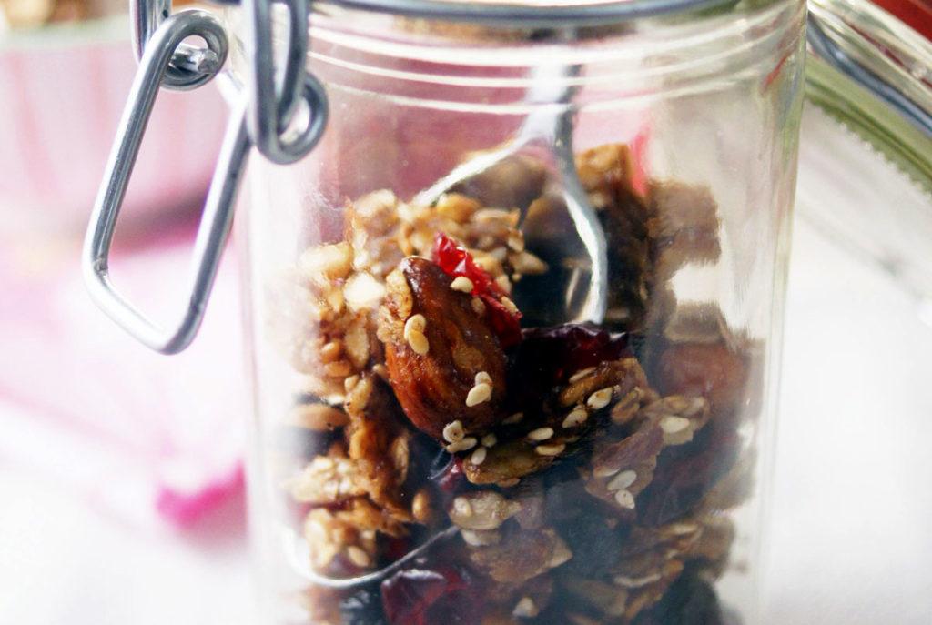 pomegranate granola recipe