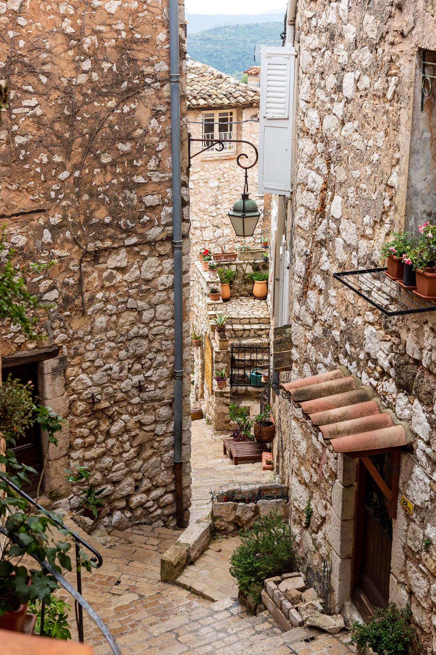 perched villages of côte d'azur - tourrettes sur loup