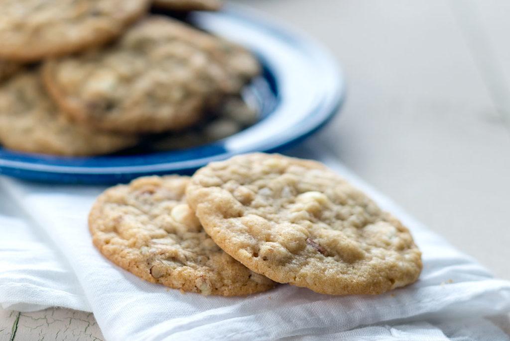 white chocolate pecan cookies